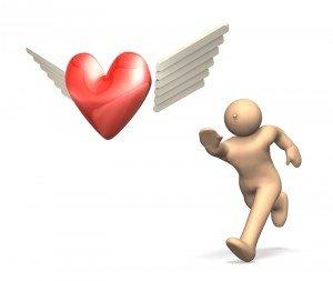 omino rincorre cuore